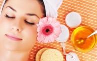 Rahasia Menghaluskan kulit wajah dengan madu untuk wanita dan ibu-ibu