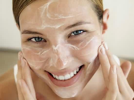 Cara memilih masker wajah yang baik